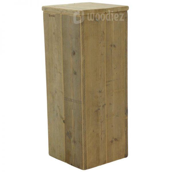 Hoge presentatiezuil of sokkel van steigerhout huren