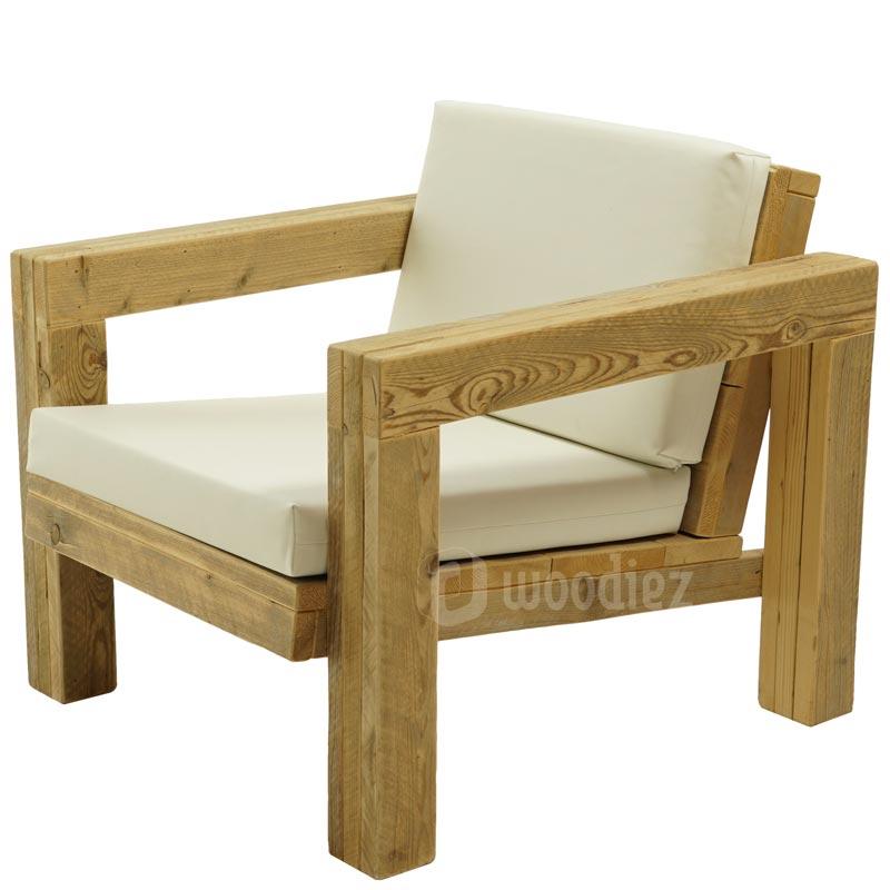 steigerhouten design loungestoel met kussens van wit leer huren