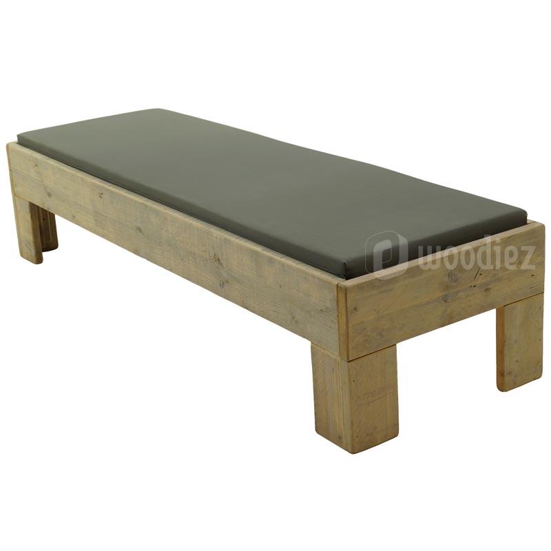 Steigerhouten lounge meubel huren voor een flexibele indeling van je loungehoek