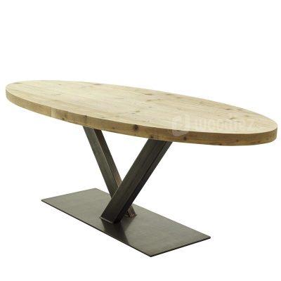 Ovale steigerhouten tafel met stalen V-poot huren