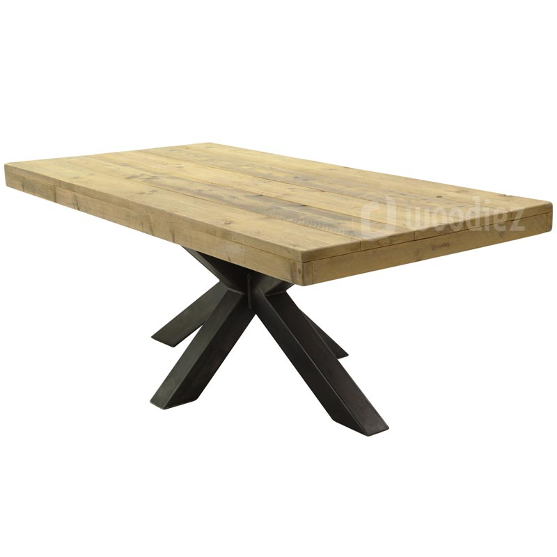 Robuuste Industriele Eettafel.Industriele Tafel Steigerhout Middenpoot