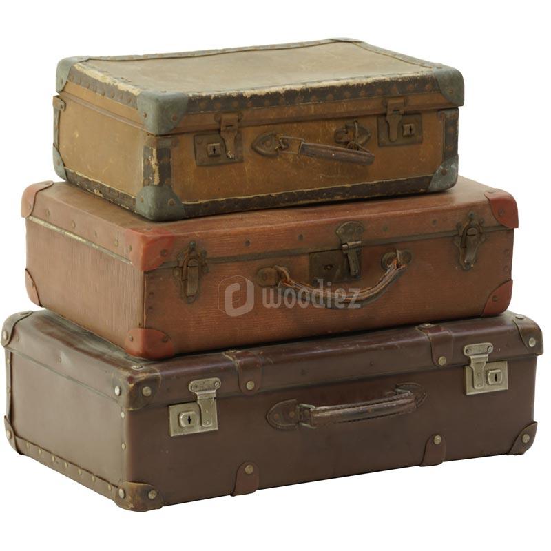 Oude vintage koffers huren als decoratie van je bruiloft, beurs of evenement