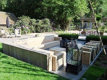 Loungeset hoekbank, loungestoelen en hockers van steigerhout op maat kopen