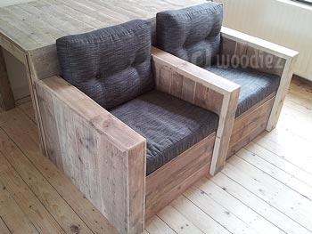 Steigerhouten dubbele loungestoel met comfortabele plofkussens