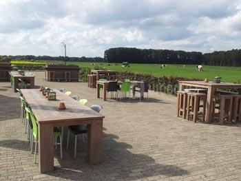 Horeca meubilair op maat steigerhouten tafels café inrichting