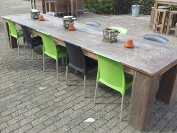 Lange steigerhouten tafel robuust met blokpoten