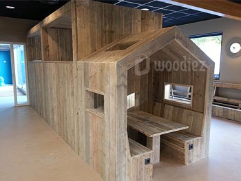 Steigerhouten horecainrichting op maat steigerhouten speelhuisje