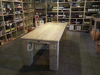 Steigerhouten winkelinrichting op maat robuuste steigerhouten tafel
