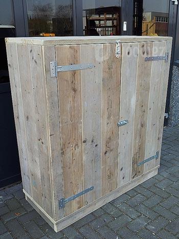 Groot TV-meubel op maat afsluitbaar met deuren en schuifslot