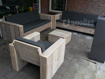 Maatwerk steigerhouten loungeset met loungebanken en loungestoel