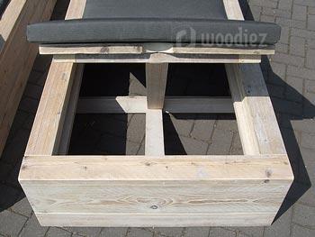 Robuuste steigerhouten ligbed op maat verstelbaar inclusief comfortabel kussen