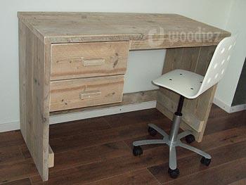 Steigerhouten bureau op maat met lades en open achterkant