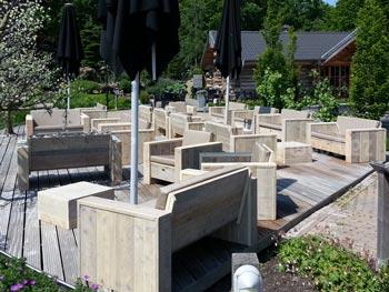 Steigerhouten terrasmeubilair op maat loungebanken en loungestoelen