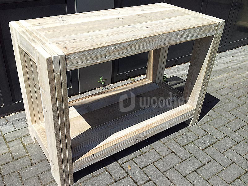Strak steigerhouten dressoir met open ruimte op maat gemaakt
