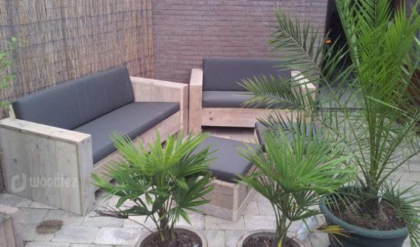 Steigerhouten loungebank op maat met weerbestendige kussens